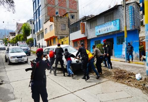 Triple choque se registró en calle pendiente de la Av. Seoane en Abancay